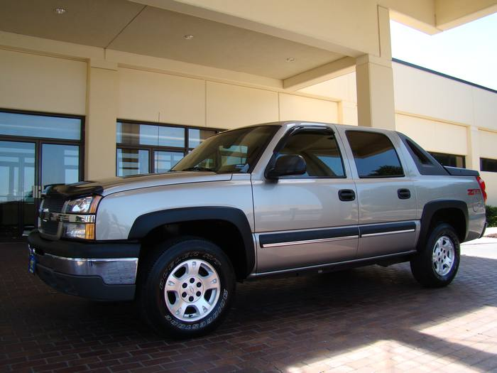 2003 Chevrolet Avalanche Z66
