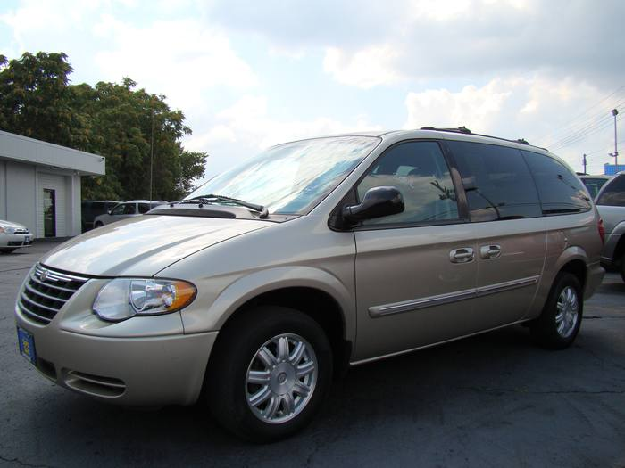 2006 Chrysler Town & Country LWB Touring