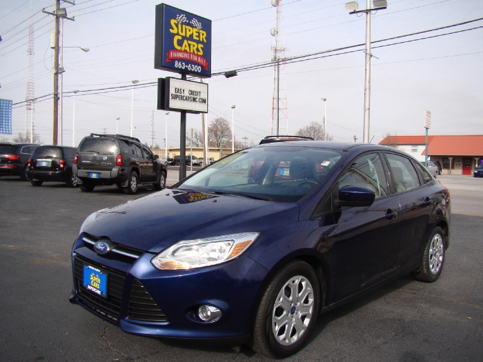 2012 Ford Focus ~ LOADED / / / STATE WIDE FINANCING!!