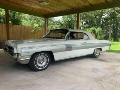 1962 Oldsmobile Starfire Convertible