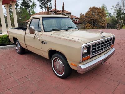 1984 Dodge D100 Pickup