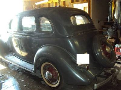 1935 Ford Sedan