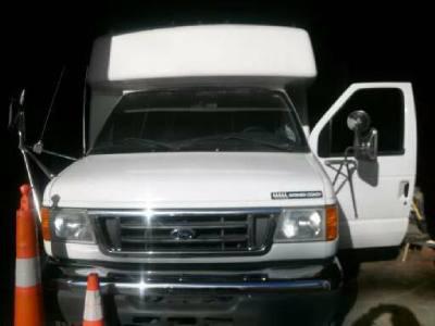 2005 Ford Goshen Bus