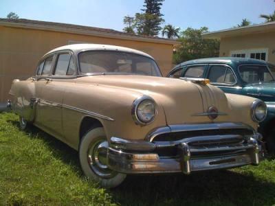 1954 Pontiac Star Chief Deluxe