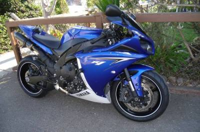 2010 Yamaha R1