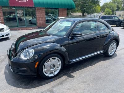 2012 Volkswagen Beetle 2.5L w/Sound/Nav PZEV