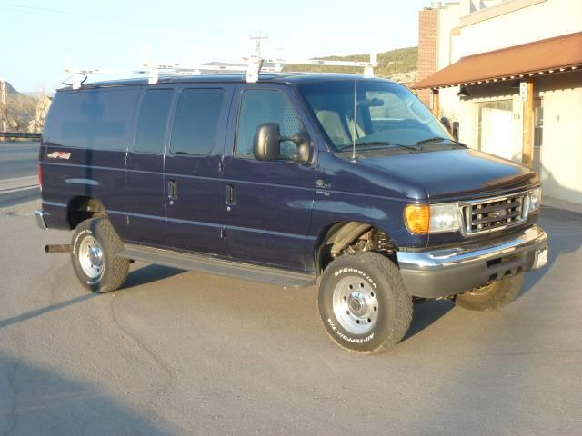 2005 Ford Econoline Cargo Van E-350