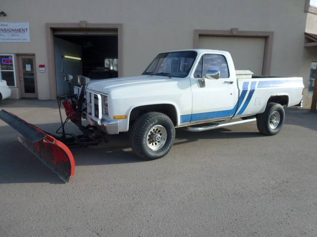 1986 Chevrolet C30 with Snow Plow