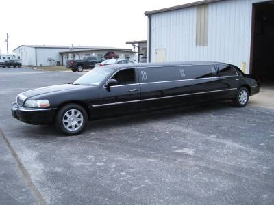 2009 Lincoln Town Car Executive Limo Package