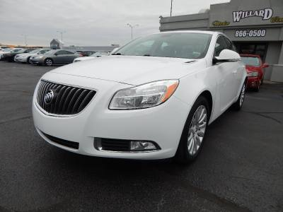 2012 Buick Regal LEATHER* MOONROOF* HEATED SEATS*