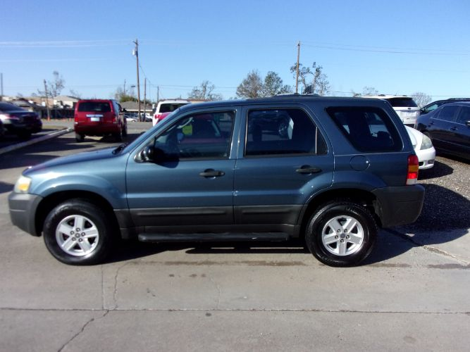 2005 Ford Escape XLS Value