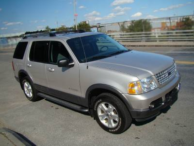 2005 Ford Explorer 4WD V6 XLT