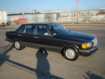 1990 Mercedes-Benz 560 Series 560SEL