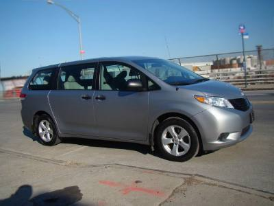 2011 Toyota Sienna 2.7L 4 Cylinders