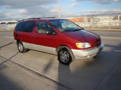 1999 Toyota Sienna XLE