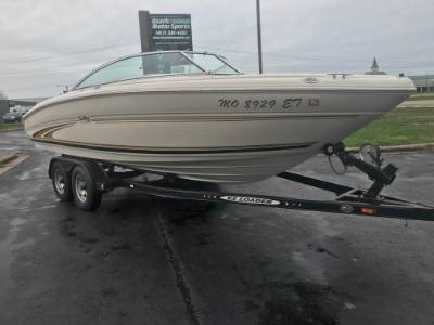 2000 Sea Ray Bowrider 210