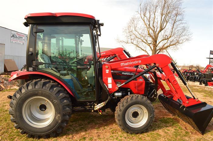 2018 Mahindra 2545 cab tractor