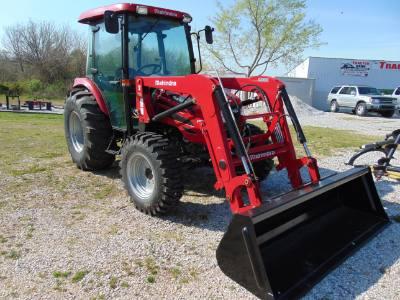 2020 Mahindra 2565 cab tractor