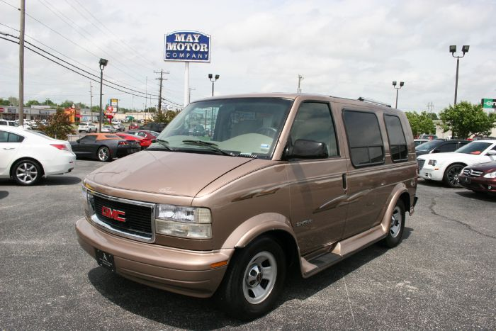 1998 GMC Safari Chariot Conversion Van