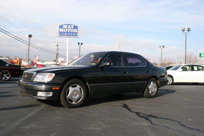 1999 Lexus LS 400 Luxury Sdn