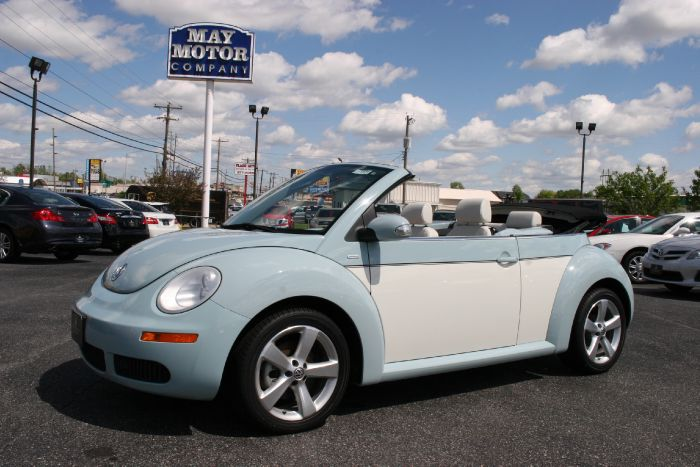 2010 Volkswagen New Beetle Convertible Final Edition