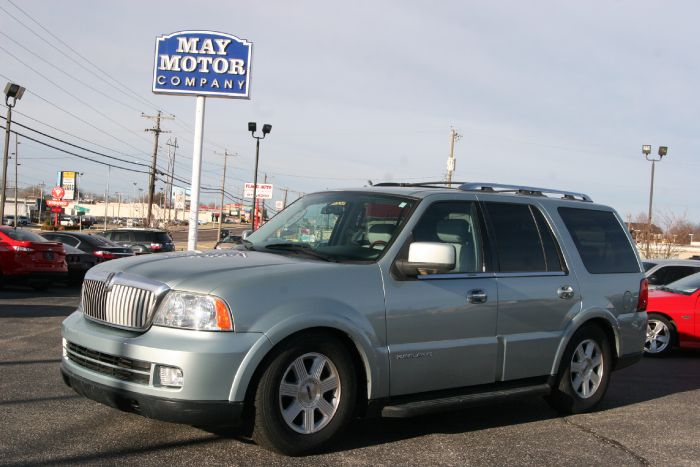 2005 Lincoln Navigator Luxury AWD