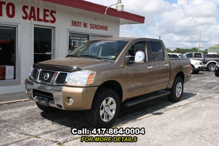 2005 Nissan Titan LE