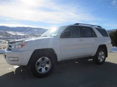 2005 Toyota 4Runner SR5 4x4 White and Gray