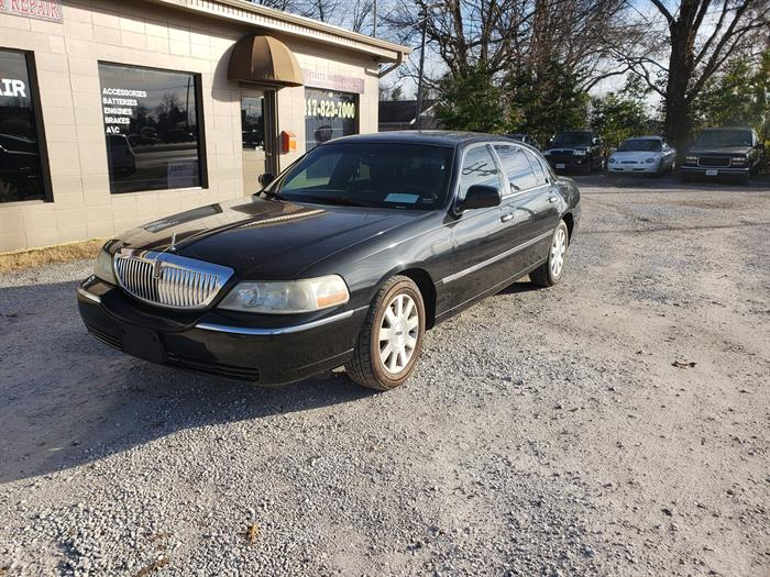 2004 Lincoln Town Car Executive L