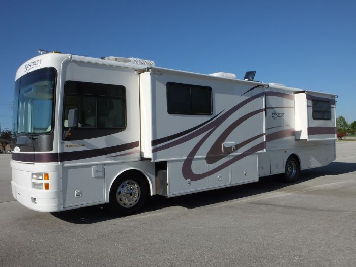 2001 Fleetwood Discovery 38D