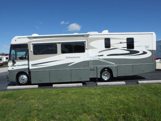2008 Winnebago Adventurer 35A
