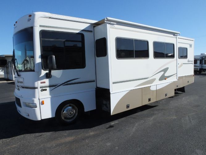2006 Winnebago Sightseer 30B