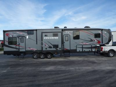 2014 Heartland Cyclone 4100 HD