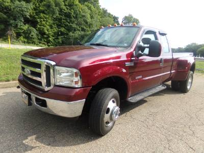 2005 Ford Super Duty F-350 DRW XL