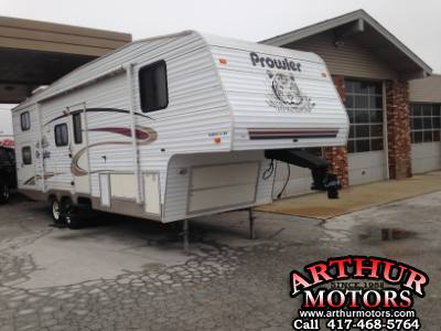 2004 Prowler 295-2BS 32 Ft