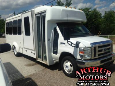 2008 Ford Elkhart Coach Conversion Wheel chair lift