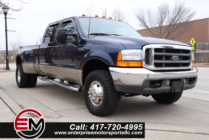 2001 Ford Super Duty F-350 DRW LARIAT