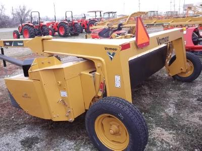 2016 VERMEER Trailed Mower
