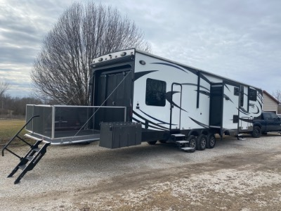2016 Jayco Seismic Wave Toy Hauler