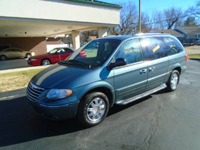 2006 Chrysler Town & Country LWB Limited