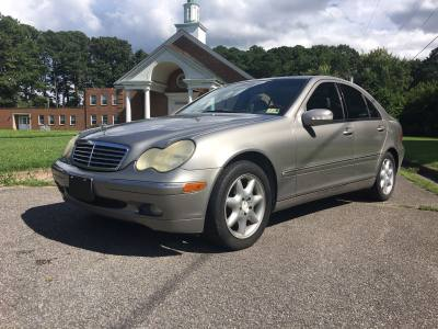 2003 Mercedes-Benz C-Class 2.6L !!!Financing Available!!!