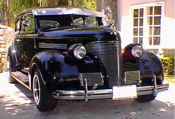 1939 Chevrolet Sedan 2
