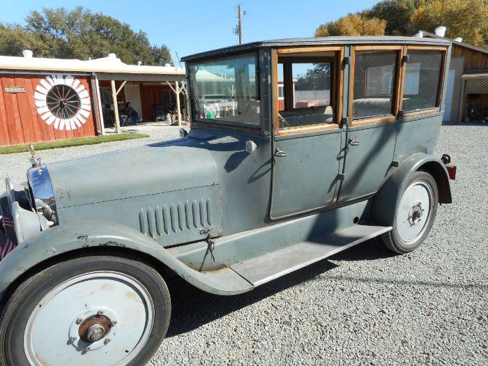 1920 Studebaker Sedan