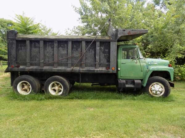 1974 International Loadster 1800 Dump Truck