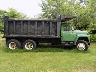 1974 International Loadster 1800 Dump Truck
