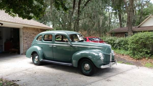 1940 Ford Standard Fordor