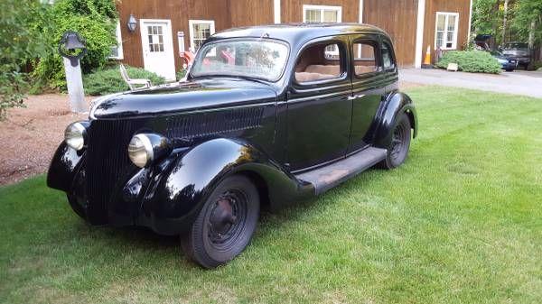 1936 Ford Fordor Slantback