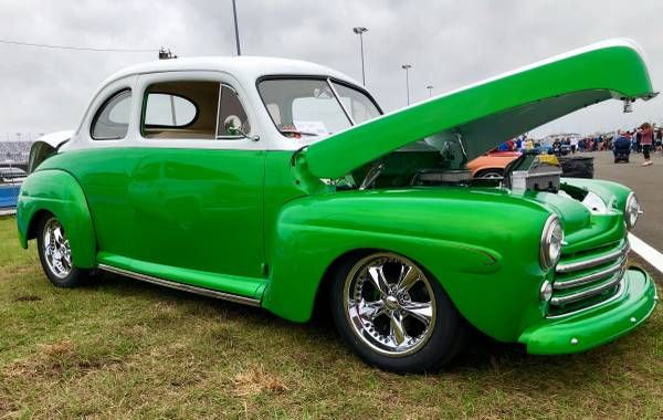 1946 Ford Hot Rod 18