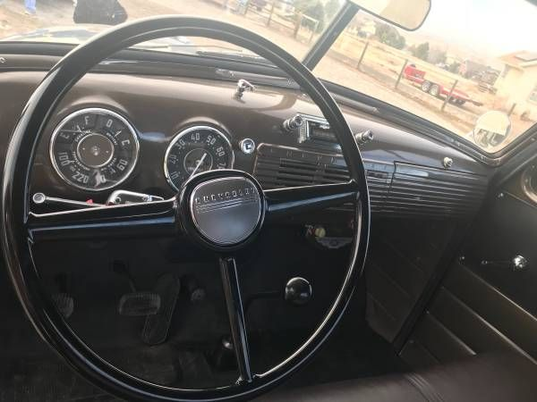 1952 Chevrolet 3600 8