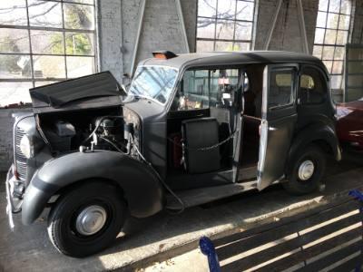 1953 Austin FX3